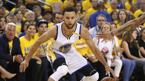 Stephen Curry anotó 22 puntos en tres cuartos.