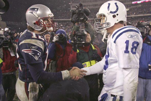 7.- 16 de enero del 2005.- Los Patriots limitaron a Peyton Manning y a l...