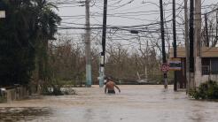 Una calle inundada en Fajardo, a unas 30 millas al norte de Yabucoa, en...