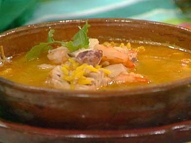 4. Sopa de mariscos: La 'goma' es fácil de superar en El Salvador. Sólo...