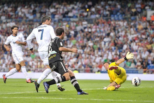 En la segunda mitad, al minuto 56, el propio Cristiano hizo un tanto m&a...