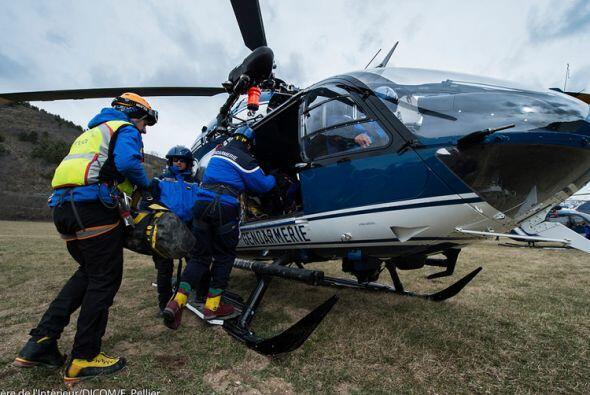 Un total de nueve helicópteros han trasladado a gendarmes, militares y f...