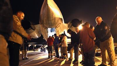 Imagen de archivo de un grupo de salvadoreños siendo deportados desde Ar...