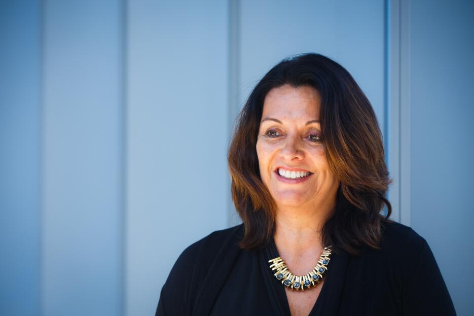 10. Diana Macias, mexicoamericana, gerente de ingeniería de software, mó...