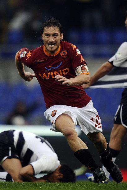 El 'Capitano' del cuadro de la loba hizo lo que quiso ante la Lazio en e...