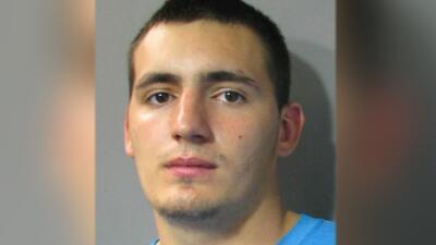 Jeremy Paul Valdez, de 27 años, fue condenado a 50 años en prisión por m...