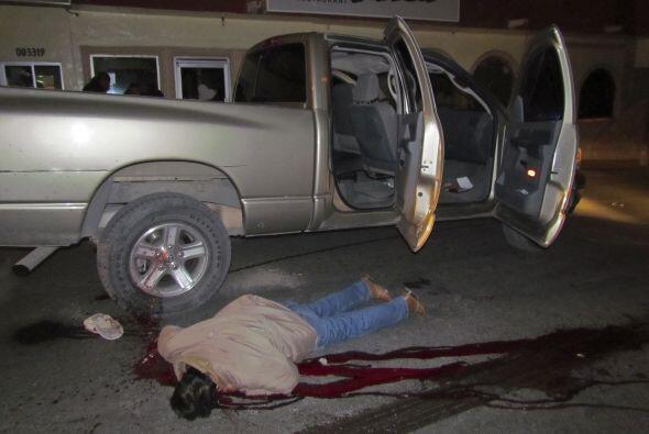 El ataque de la noche del miércoles dejó además dos heridos entre los gu...