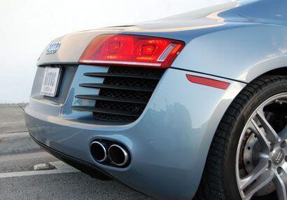 El Audi R8 acelera de 0 a 60 millas por hora en tan sólo 4.6 segundos.