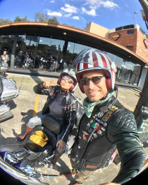 Angelique Boyer y Sebastián Rulli, su amor sigue sobre ruedas