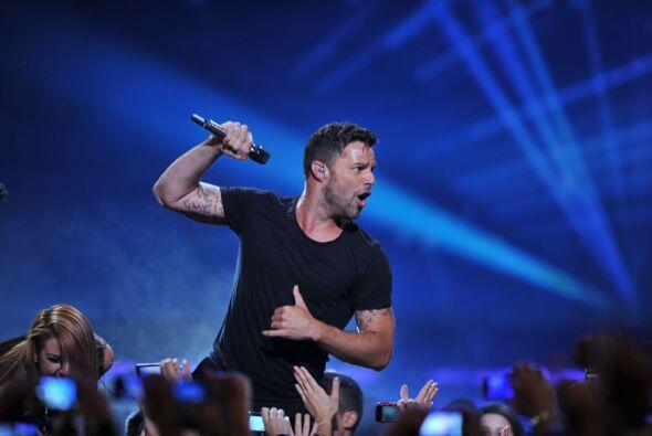 Cuando inició su gira mundial Ricky Martin dijo que prometía un show lle...