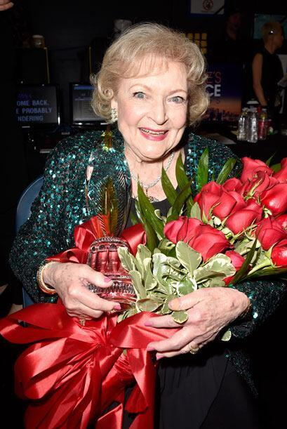 Betty White estaba feliz con sus flores.