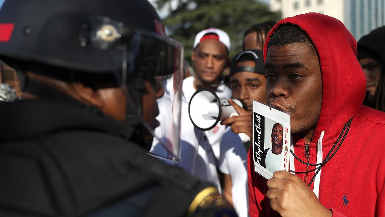 En fotos: Protestas en Sacramento por Stephon Clark, el joven negro muer...