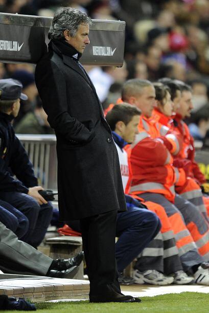 Mourinho veía el duelo tranquilo, conocedor del dominio madridista.