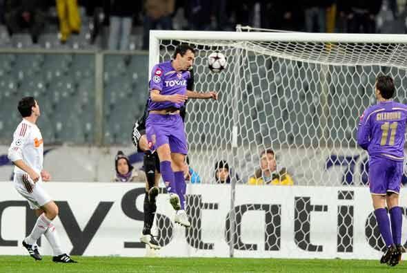 La Fiorentina goleó al Debrecen 5-2 en Florencia.