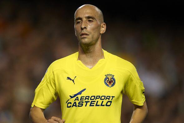 Borja Valero juega en el Villarreal de España. Su equipo lucha po...