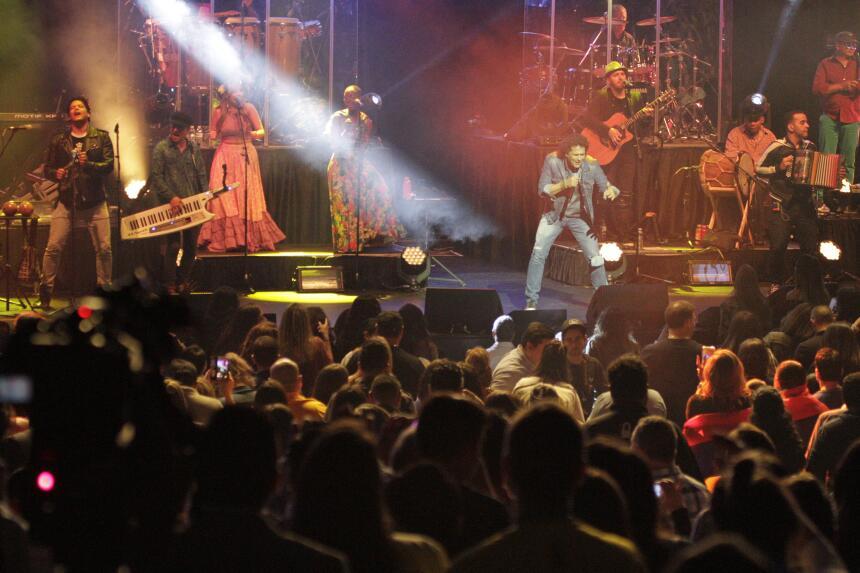 Te perdiste del concierto de Carlos Vives?  _MG_9375.JPG