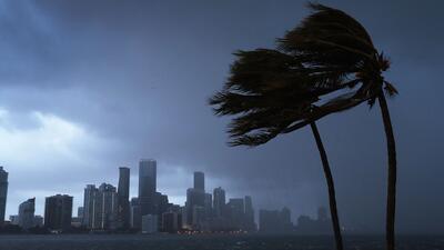 Gobernador de Florida declara estado de emergencia ante el avance de la tormenta Alberto