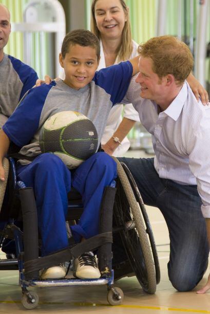 Estuvo presente en el hospital antes de asistir al partido Brasil-Camerú...