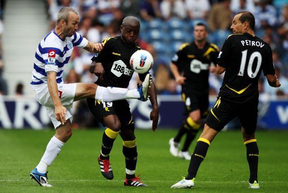El visitante, Bolton, impuso su categoría desde el primer minuto del par...