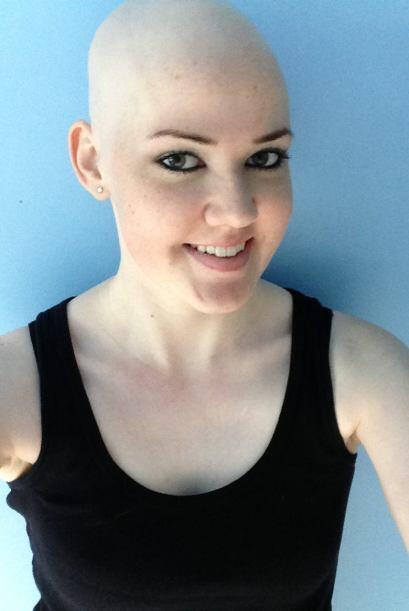 Ella le respondió al cáncer con su mejor sonrisa.