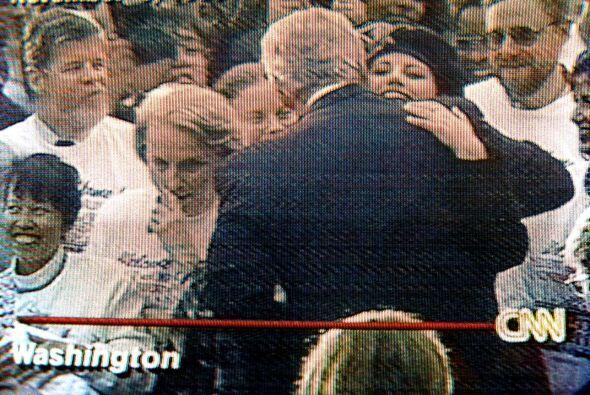 Lewinsky había sido contratada como pasante en la Casa Blanca en 1995. L...