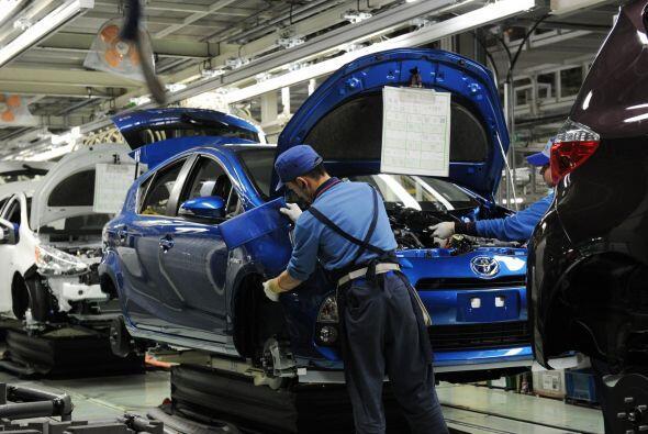 En contraste, las ventas de Toyota en Estados Unidos aumentaron 25.5% en...