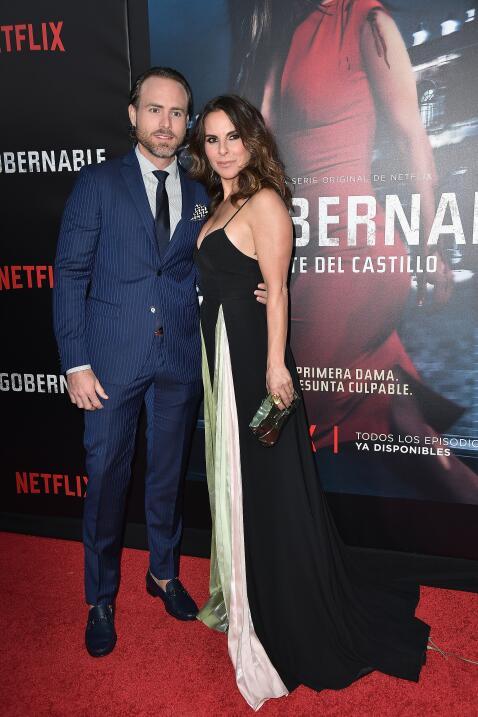 Sin calcetines el actor Erik Hayser, presidente de Kate del Castillo en...