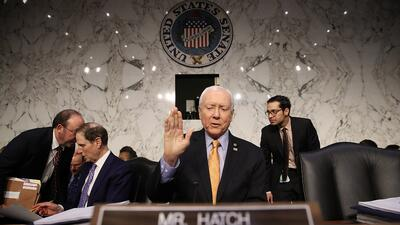 El presidente del Comité Financiero del Senado, Orrin Hatch, fue quien i...
