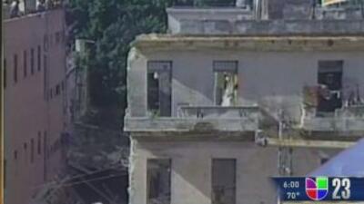 El derrumbe del edificio en la esquina de la Calle Infanta y Avenida Sal...