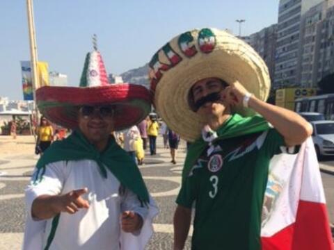 Entre los aficionados que acudieron al partido de México contra B...