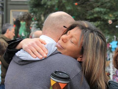 Días después del tiroteo en la escuela Sandy Hook de Newto...