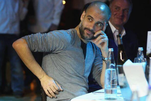 Los jugadores y cuerpo técnico del Bayern Múnich, comienzan a disfrutar...
