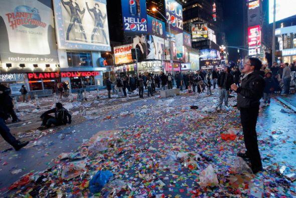 Una multitud, que según la policía llegó al millón de personas, disfrutó...