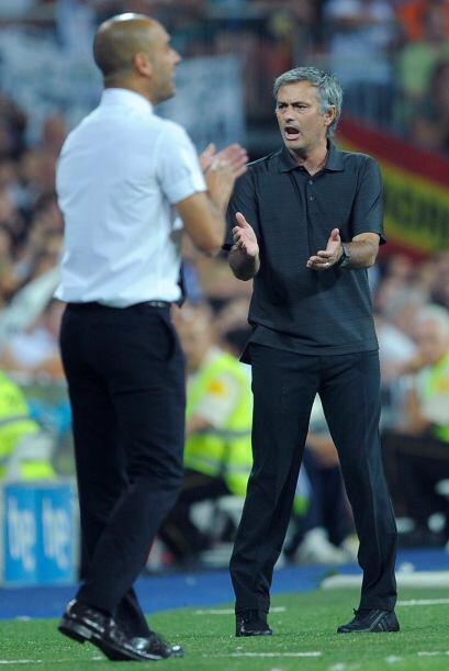 Contrastes del fútbol, Guardiola felicitaba a sus dirigidos y Mourinho h...