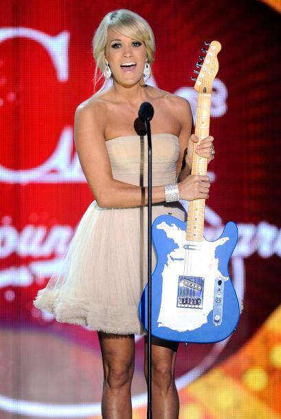 Los seguidores de Carrie Underwood le dieron otra victoria en los premio...