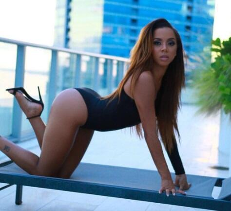 La exuberante modelos estadounidense sorprendió en redes sociales...