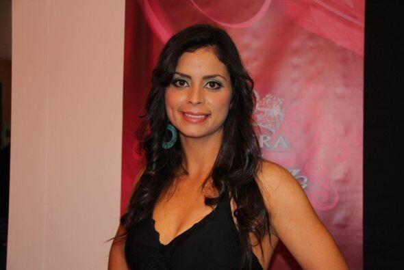 Nombre: Roxana Silva | Edad: 26 | País de origen: México   Para conocer...