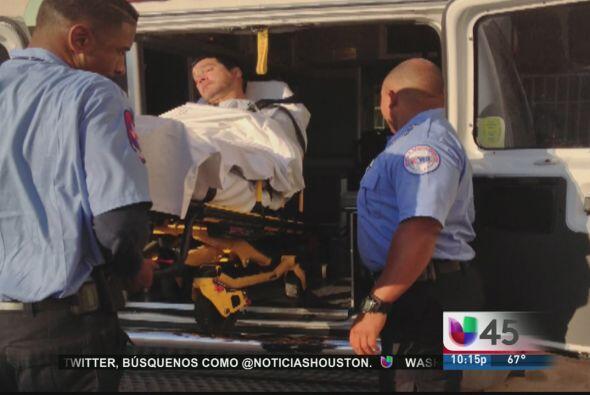 Oscar De La Rosa, vocalista del grupo La Mafia, fue víctima de una golpi...