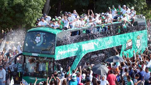 Los Guerreros festejaron su sexto título de liga con un multitudinario d...