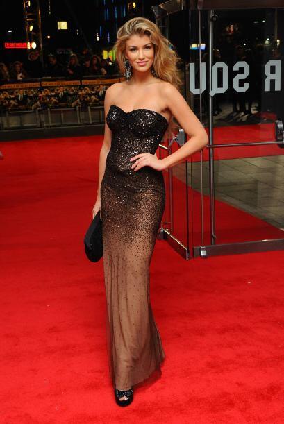 Amy WillertonLa reina de belleza deslumbró al Reino Unido con sus faccio...