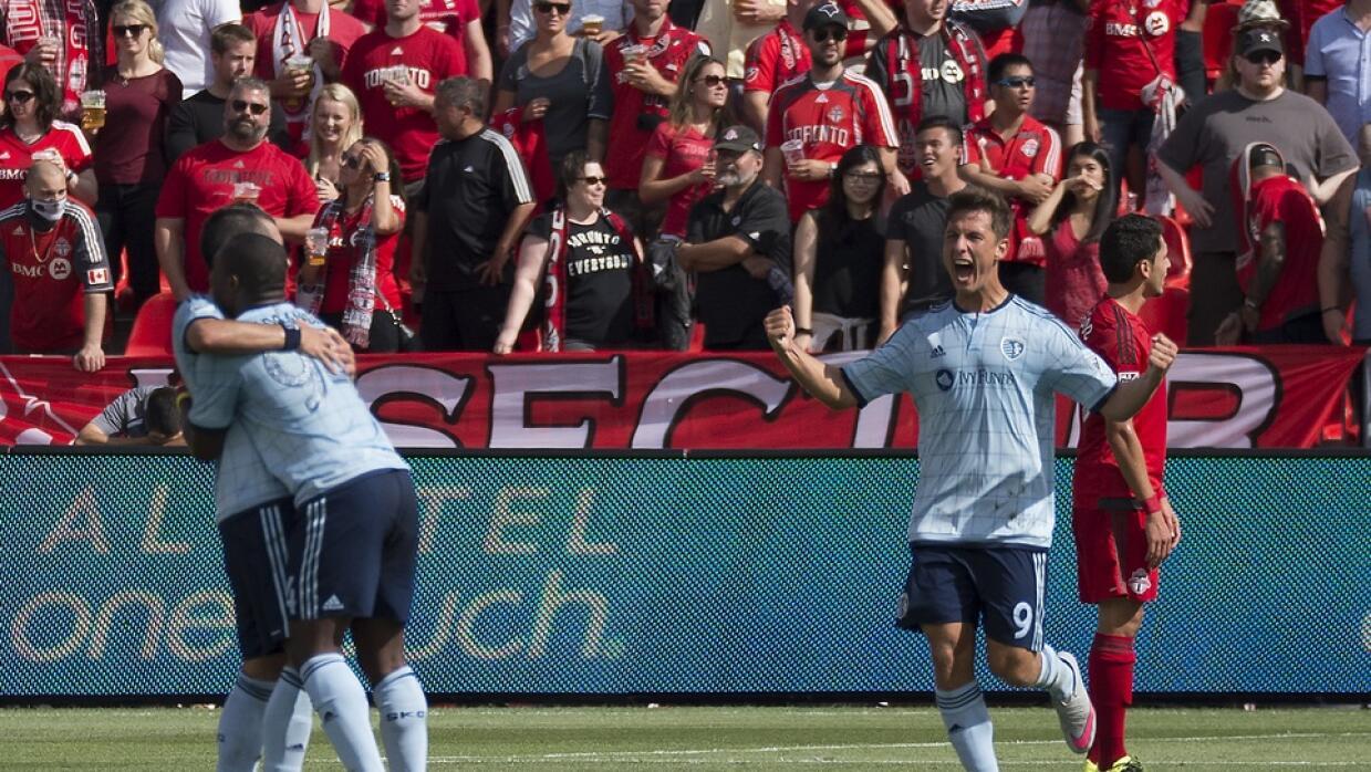 Nemeth celebra su gol, el segu