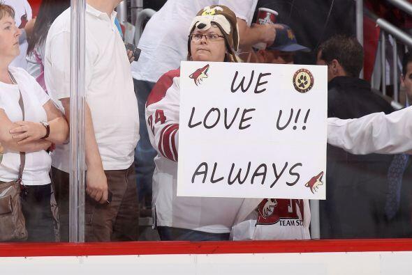 El equipo de hockey dejó a los fans de Arizona orgullosos por su increíb...