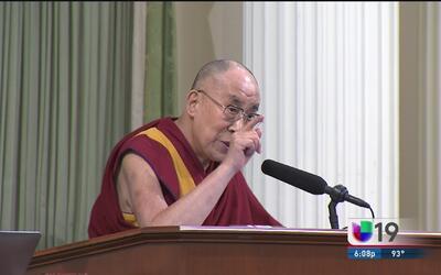 El Dalai Lama deja un mensaje de paz en el capitolio de Sacramento