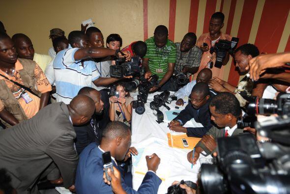 El cantante Wyclef Jean se registró como candidato por la presidencia de...