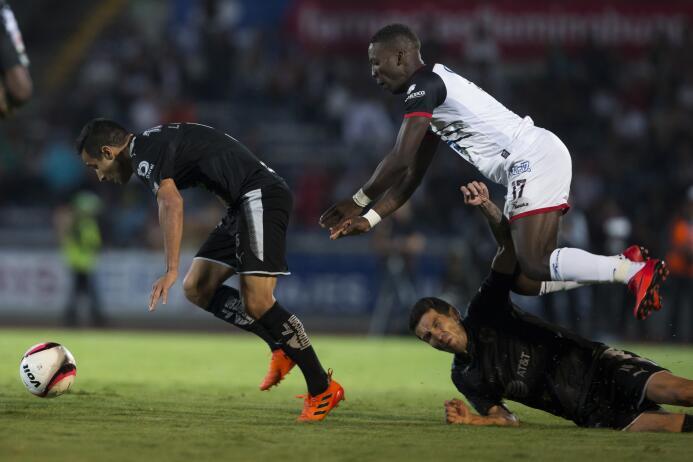 En fotos: Lobos BUAP sorprendió 2-1 al líder Monterrey  20171104-921.jpg