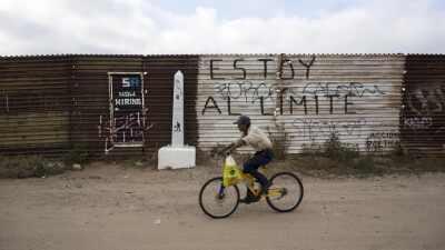 Hoy, no existe atención a ciclistas en la aduana fronteriza.
