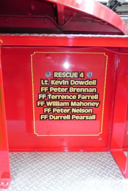 Carro bombero recuerda a sus caídos el 9/11 b7ab025fc2cb4b63a192a9d5571a...