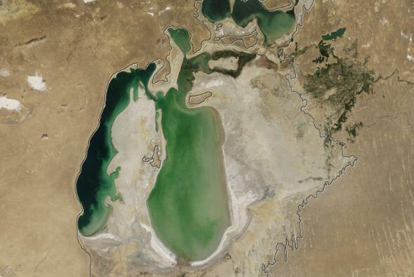 El mismo reporte indica que la fuerte sequía que el lago experimentó est...