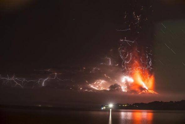 Michelle Bachelet reconoció que las dos erupciones han generado una situ...