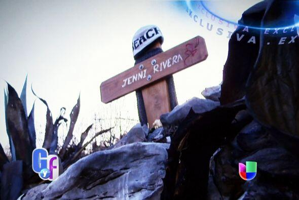 La cantante volaba de Monterrey (México) con destino a Toluca, pero el a...